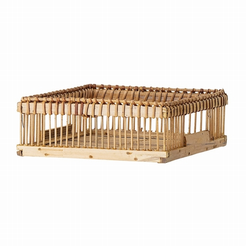 Ce petit casier carré en bambou issu de l'artisanat