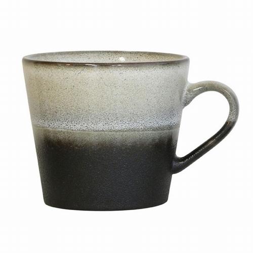 Découvrez cette très belle tasse en céramique de couleur