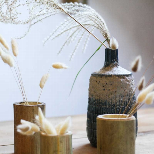 Très joli vase en céramique bleu. Vintage à souhait et en