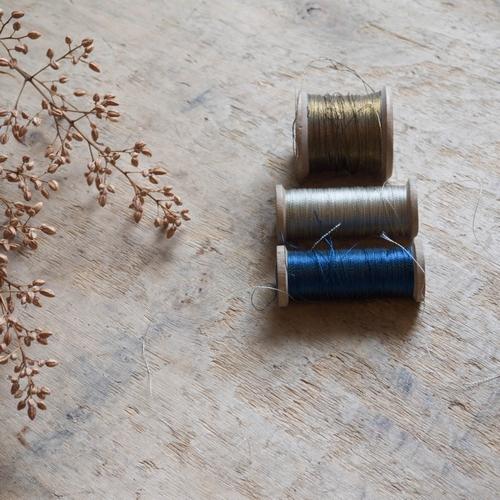 Lot de 3 bobines vintage: 1 bobine de fil bleu: hauteur 6cm