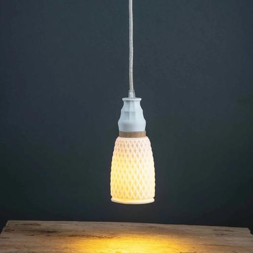 Georgette wood S9. Sandrine Tortikian conçoit des luminaires