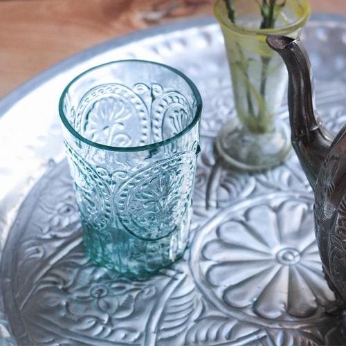Verre fleur de lys bleu S.  Cette collection de verres est