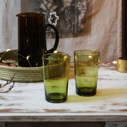 Dans la collection Beldi, ces verres droits d'une couleur