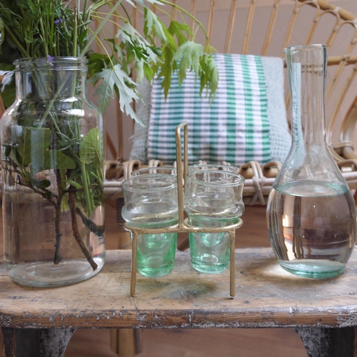 Porte-verre artisanal doré, à accorder avec des verres beldi