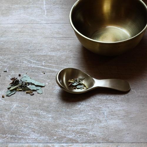 Jolie cuillère japonaise en laiton. Pour les amateurs de