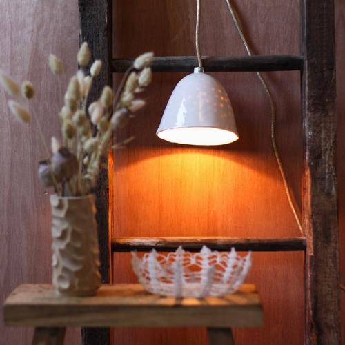 Lorsque Myriam Ait Amar propose une version de sa lampe avec