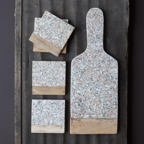 Ravissant dessous de verre en granit et bois. De jolies