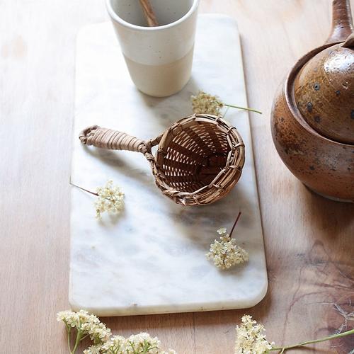 Passoire à thé indienne. On aime beaucoup cette jolie
