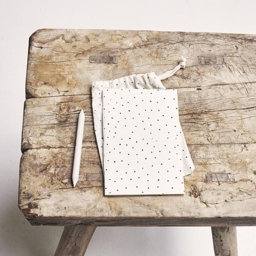 Cahier et son sac de coton fabriqués à la main Cahier en