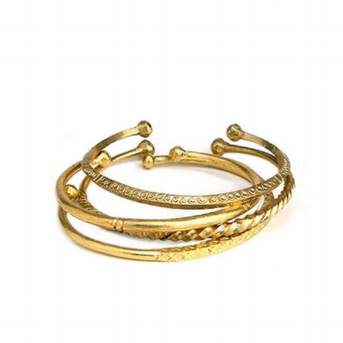 Découvrez ces jolis bracelets Touareg magnifiquement