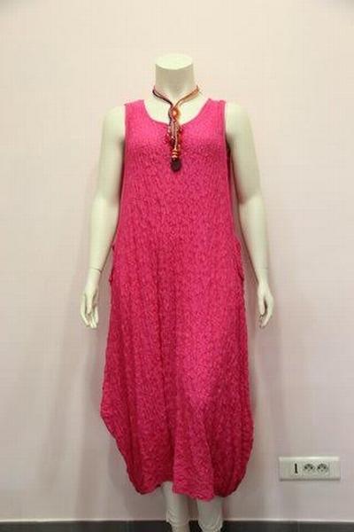 ROBE LONGUE FLUIDE EN TISSU COTTON GAUFFREE Cette robe