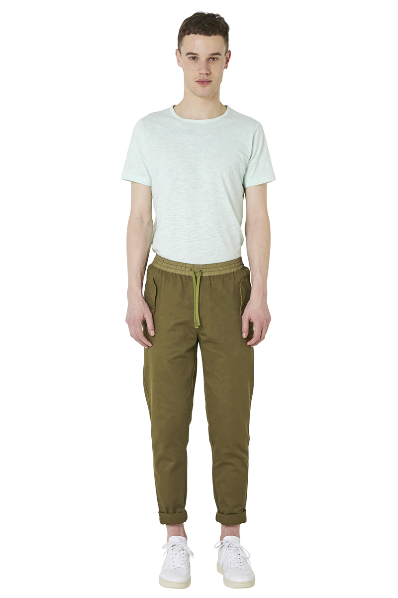 - Revisited military pant - Carotte fit - Elastic waistband