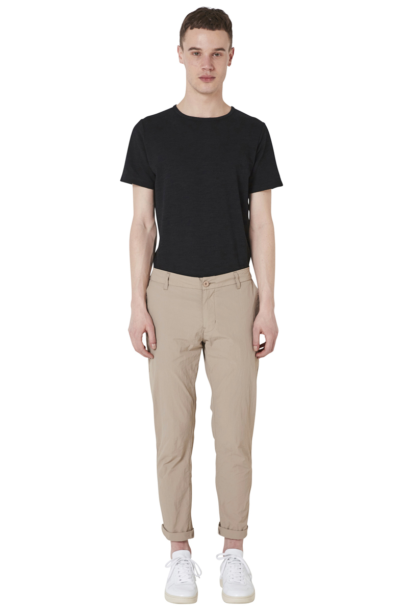 - Light nylon pant - Slim fit - 4 pockets (2 Italian side