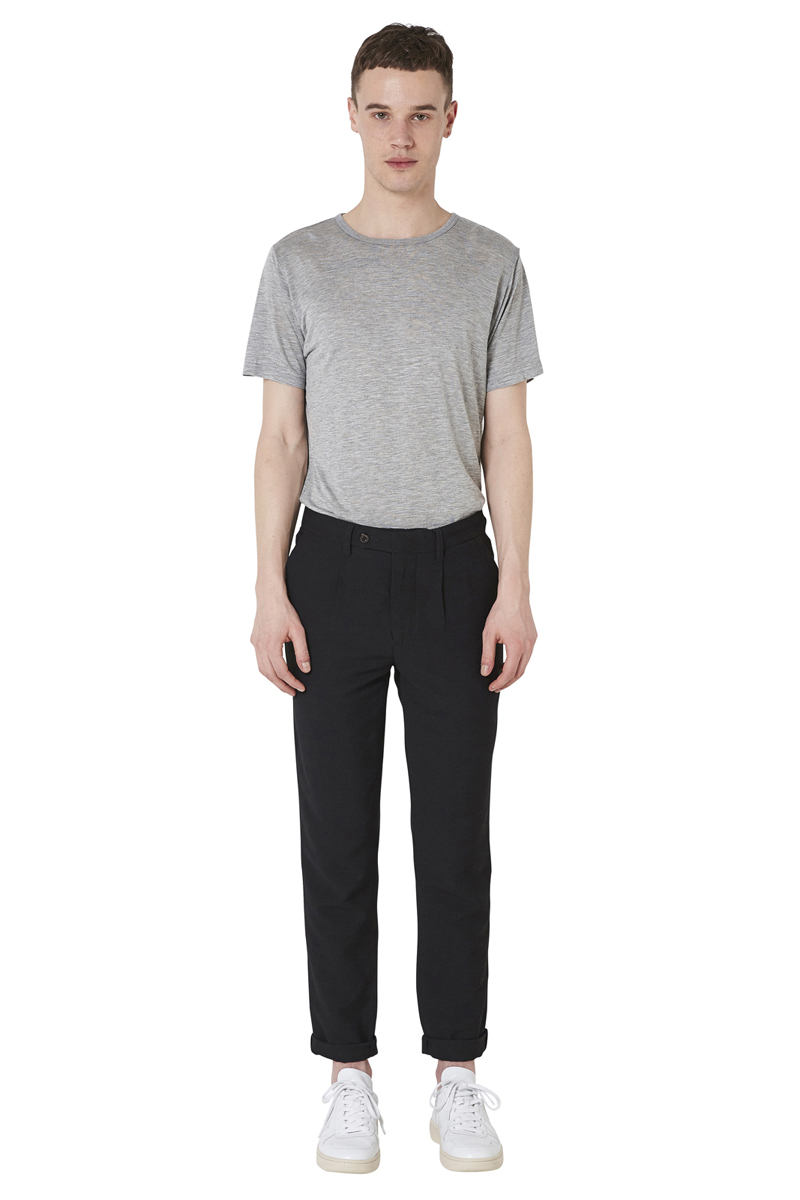 - Bi-material nylon viscose darted trouser - Slight carotte