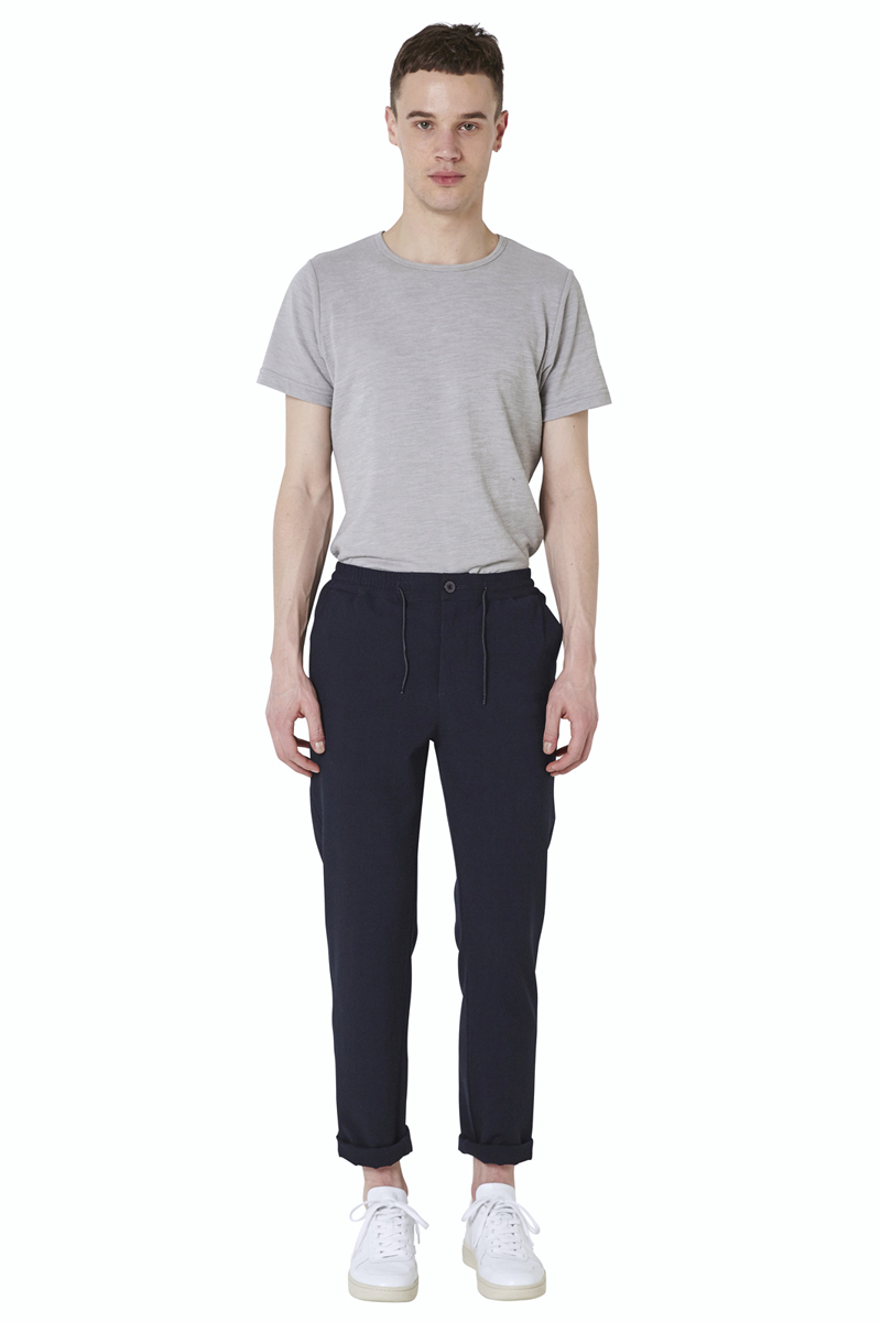 - Seersucker pant - Slim fit - Elastic waistband and