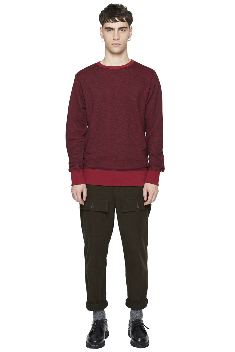 - Cotton and polyester sweater - Round collar - Finish of