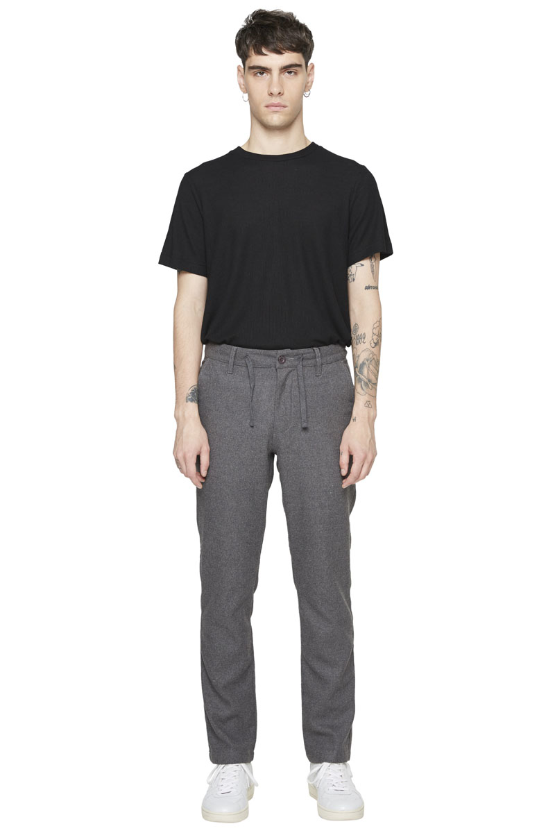 - Cotton and Rayon trouser - Straight fit - 4 pockets : 2