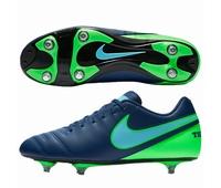 Chaussures rugby Nike Tiempo Rio, en version 6 crampons
