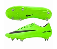 Nouvelles chaussures Nike Mercurial en version crampons