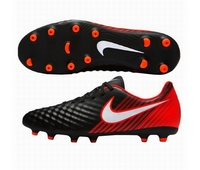 Nouvelles chaussures de rugby Nike Magista Ola II FG.
