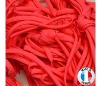 Paire de lacets rugby en coloris rose fluo, 100 % polyester.