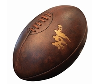Ballon de rugby en cuir veilli type Vintage,cousu main.