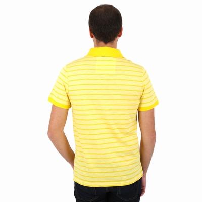 Polo manches courtes en jersey coton slub. Col en bord côté