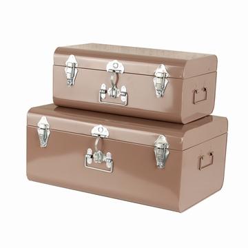 Petite valise-malle en métal aux allures vintage industriel.
