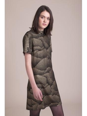 - Robe moulante en maille noir à motifs dorés - Col cheminée