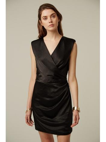 - Robe courte à épaulettes en satin mat noir - Décolleté