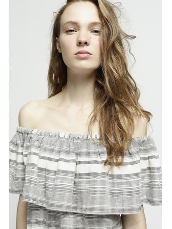 - Top en coton à rayures gris et écru - épaules dénudées -
