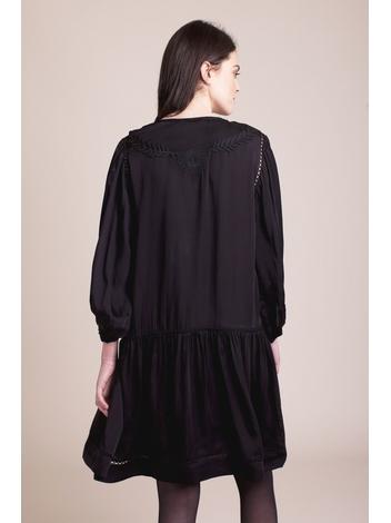 - Robe noir à volants en satin - Motif brodé - Manches