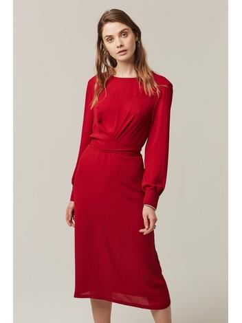 - Robe rouge longueur midi - Effet cache-coeur devant -