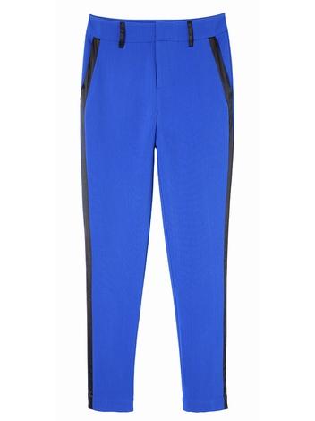 Pantalon type smoking. coloris bleu Klein. Bande latérale de