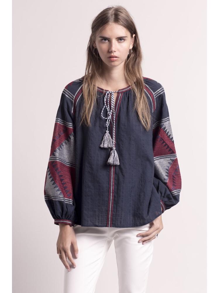 - Blouse ample en coton marine à broderies rouges et