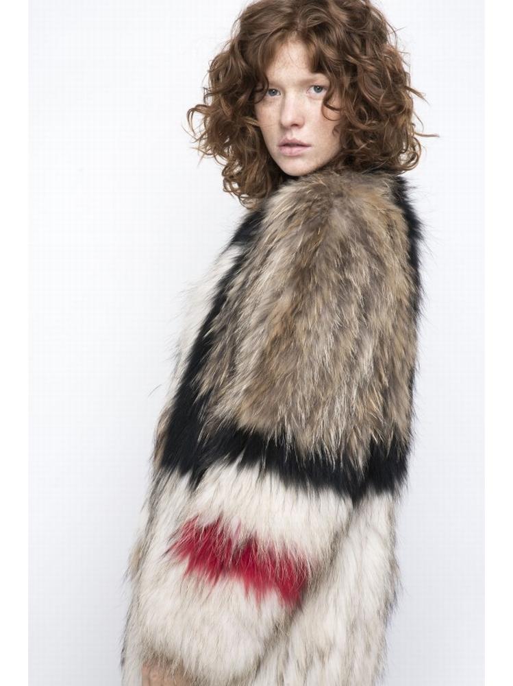 - Manteau en véritable fourrure - Manches longues -