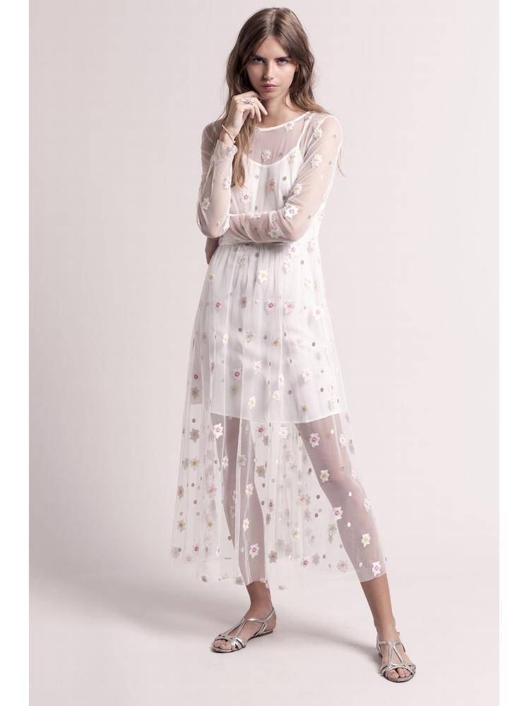- Robe longue en tulle blanc à broderies fleurs et pois