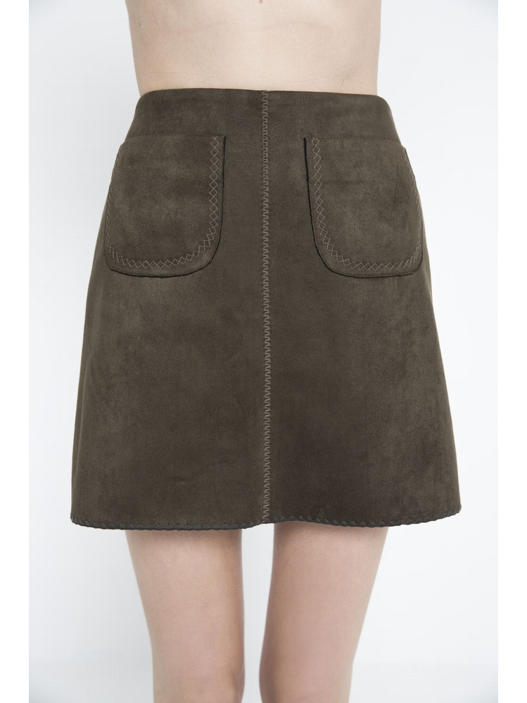 - Mini-jupe finition en daim - Fermeture par zip sur le côté