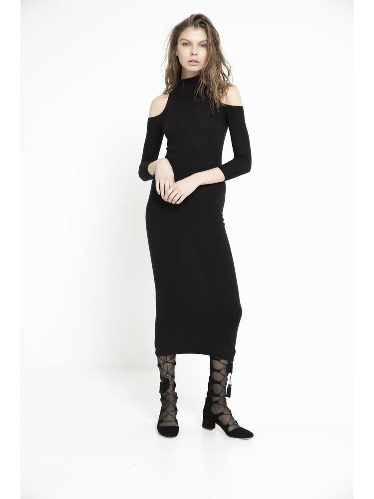 - Robe longue en maille légère - Col roulé - Épaules
