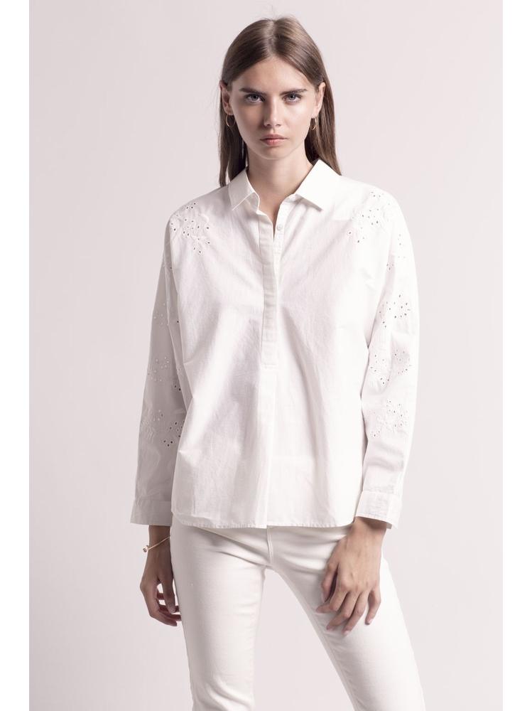 - Blouse col chemise en coton détails broderie anglaise -