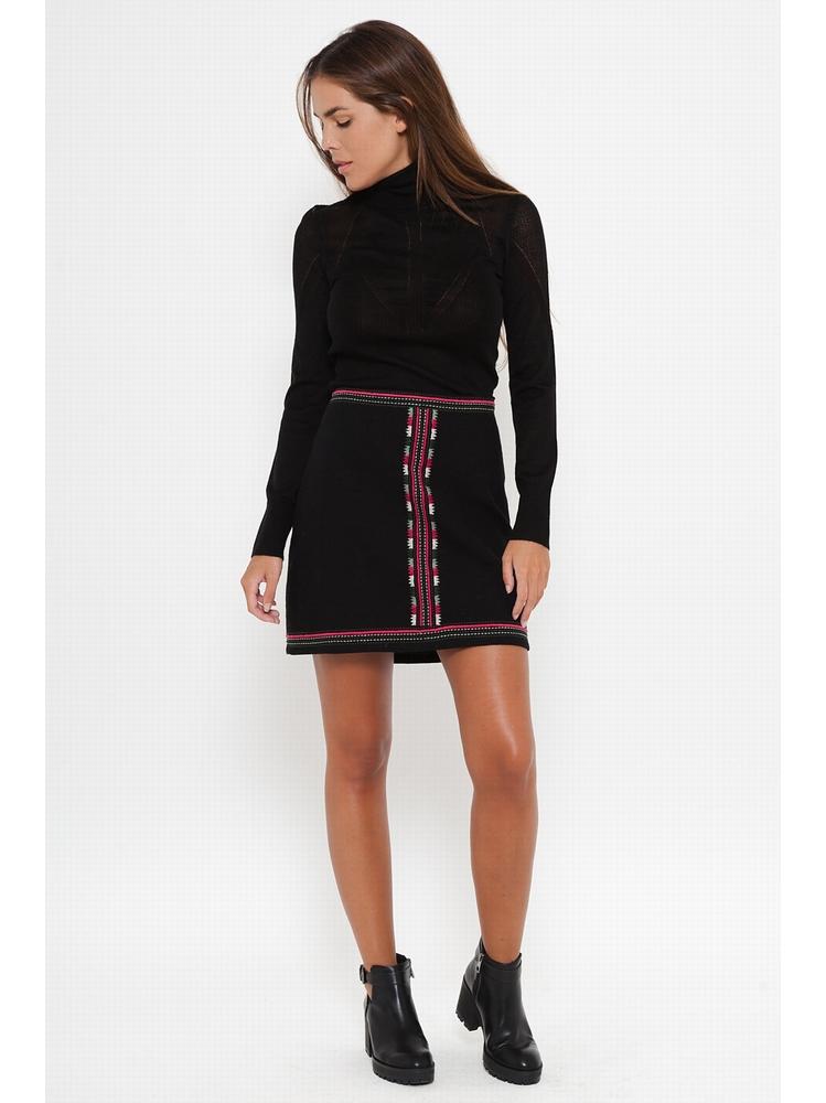 - Mini-jupe en coton - Détail de broderie étnique sur toute