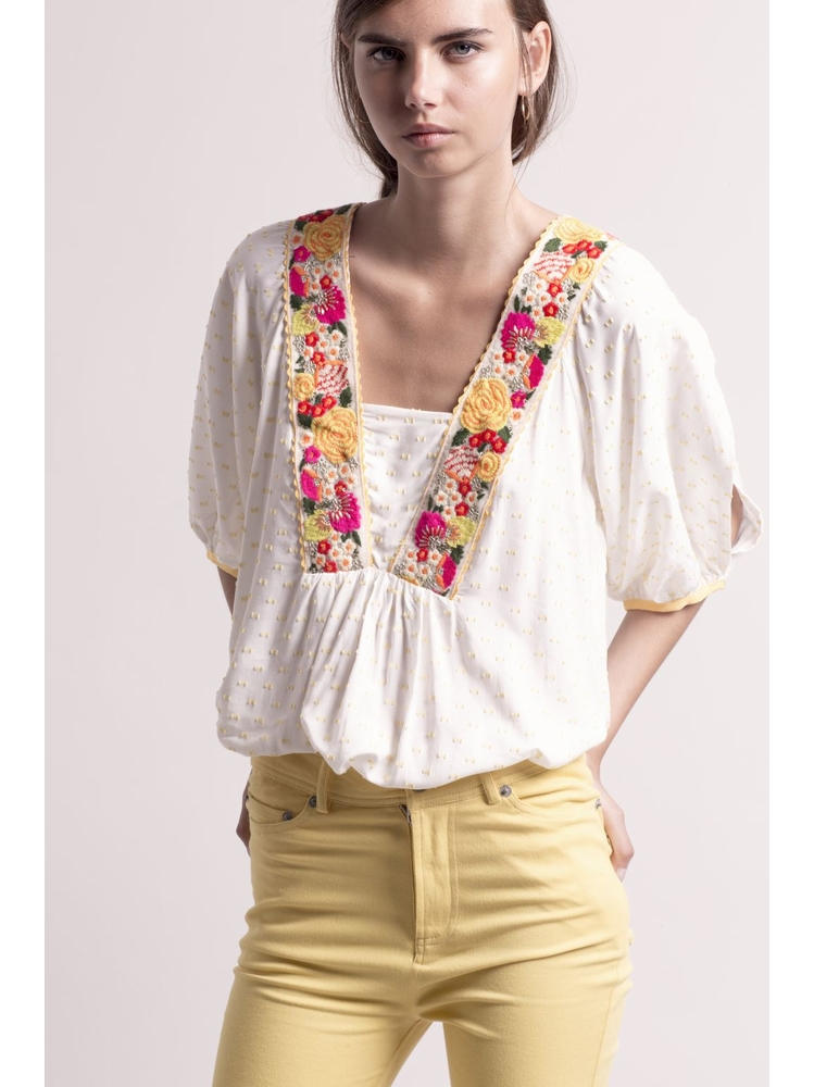 - MADE IN FRANCE - Top écru à broderies fleurs multicolores