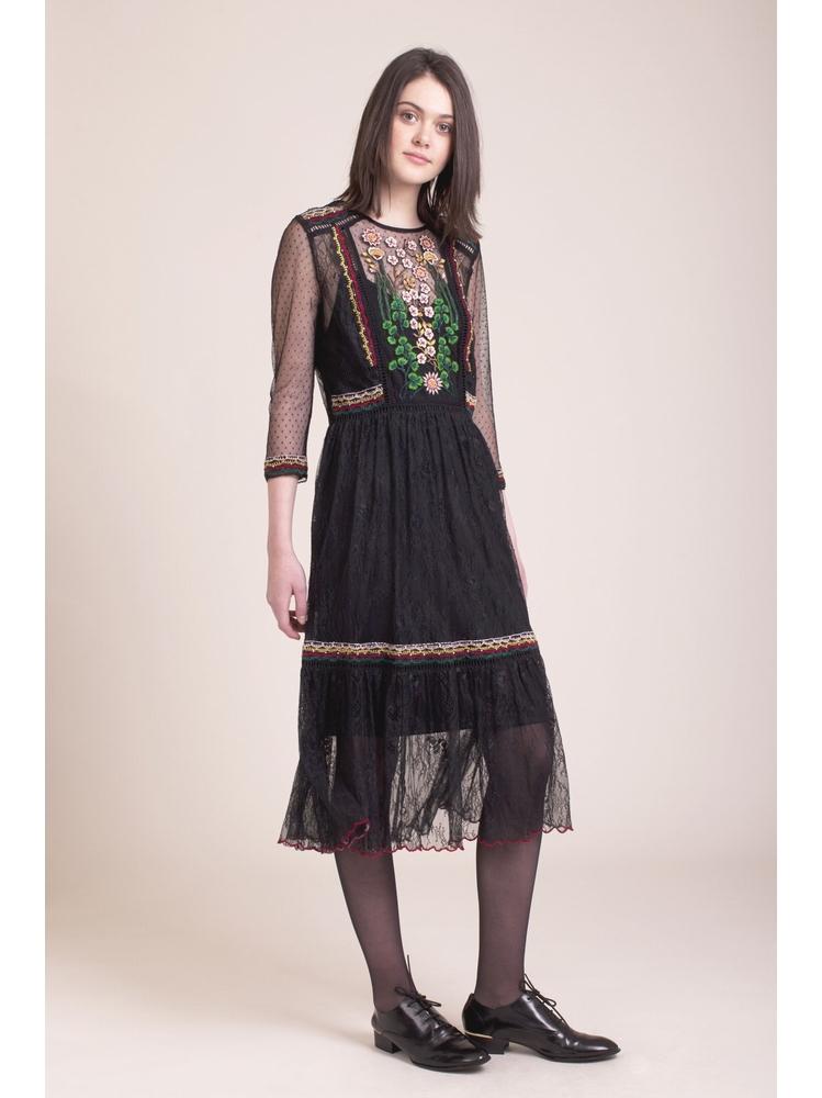 - Robe noir en dentelle à broderies et perles multicolor -