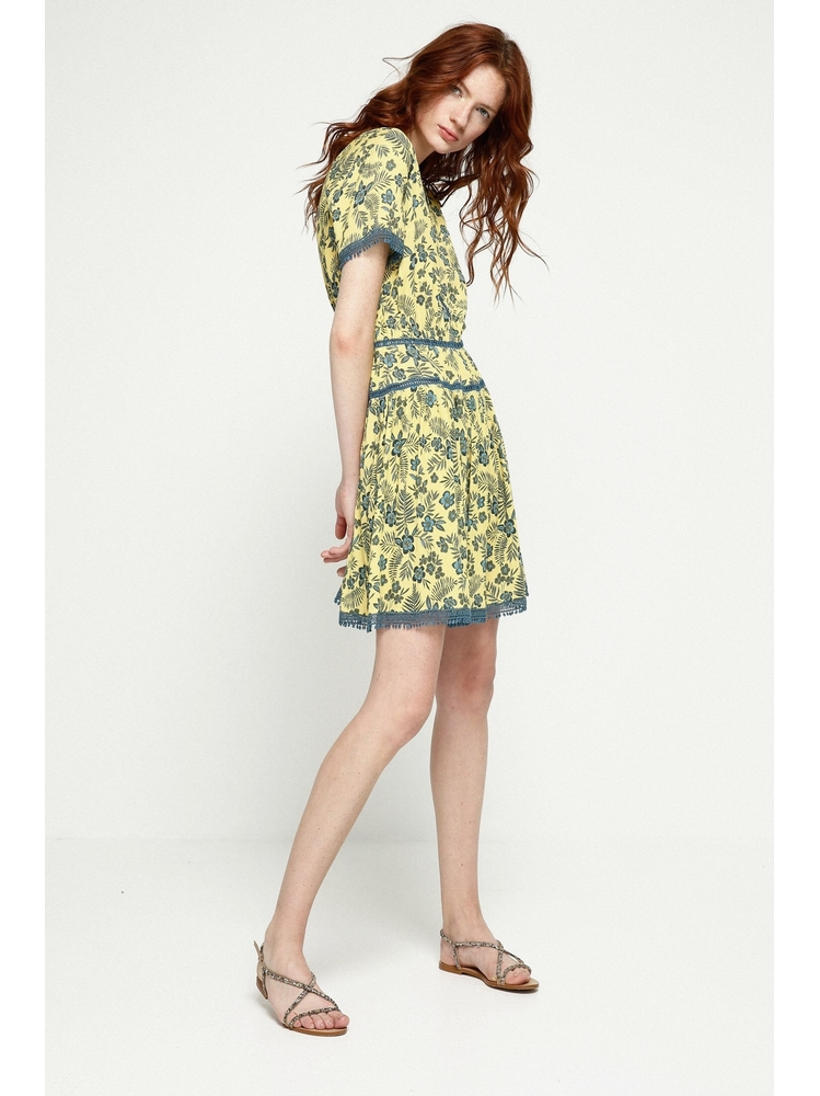 - Robe courte ajourée imprimé jaune et bleu - Col V. dos et