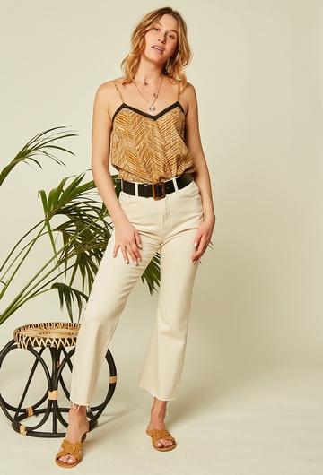 Ce jean écru en coton est très agréable à porter et facile à