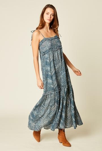 Robe longue imprimée à bretelles en voile de coton. Volants.