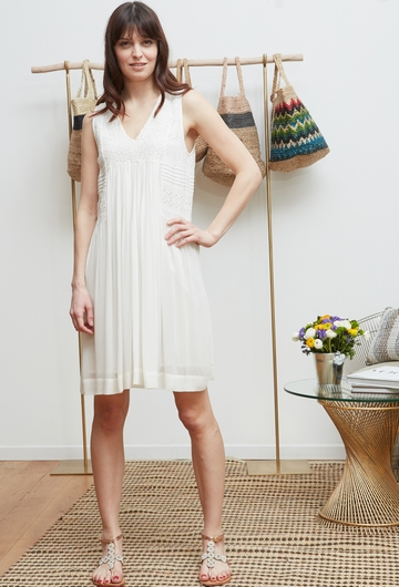La robe RAJNIE signé Stella Forest apporte une touche