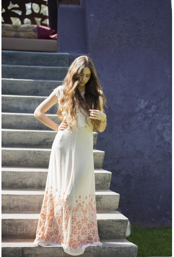 La robe RENALDINE signée Stella Forest composée de broderies
