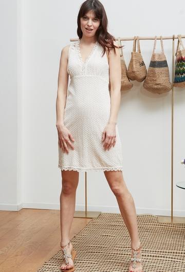 La robe ROSEAU signée Stella Forest est confectionnée de