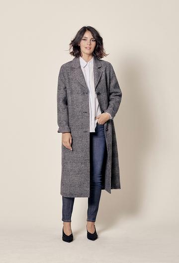 Manteau long en laine. 3 boutons.  Longueur totale : 115,5cm
